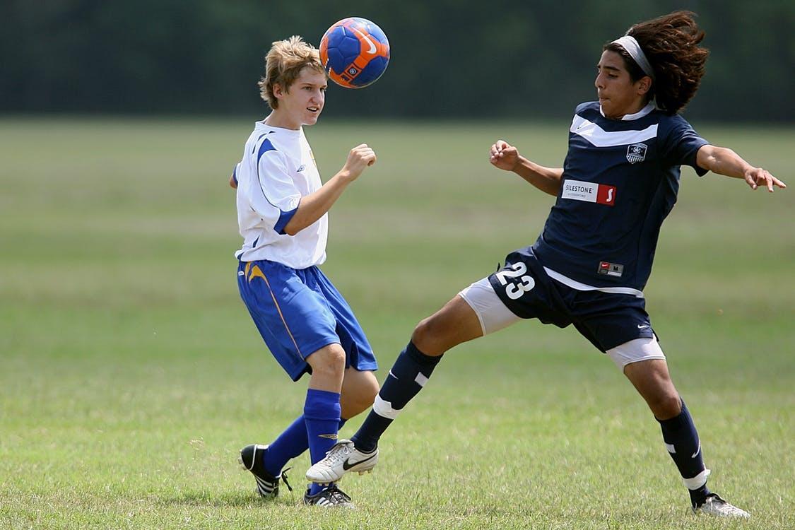 Odpowiedni dobór obuwia piłkarskiego – nasze rady na pewno Ci pomogą