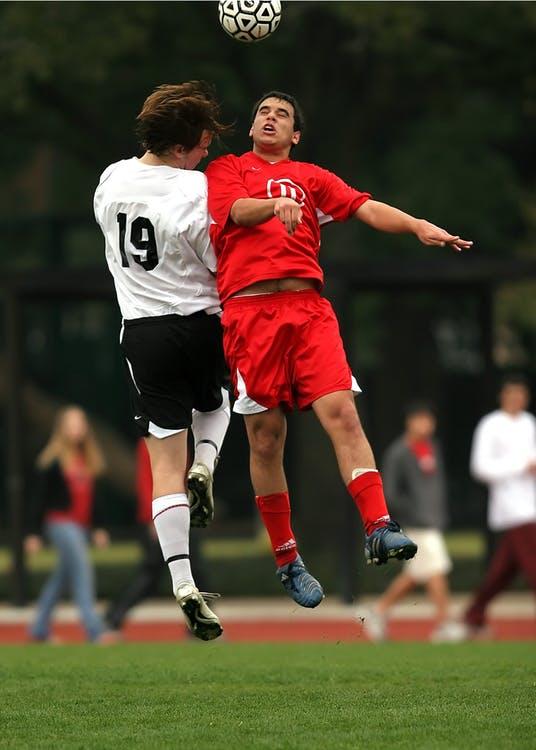 Pozycja na boisku a ochraniacze piłkarskie