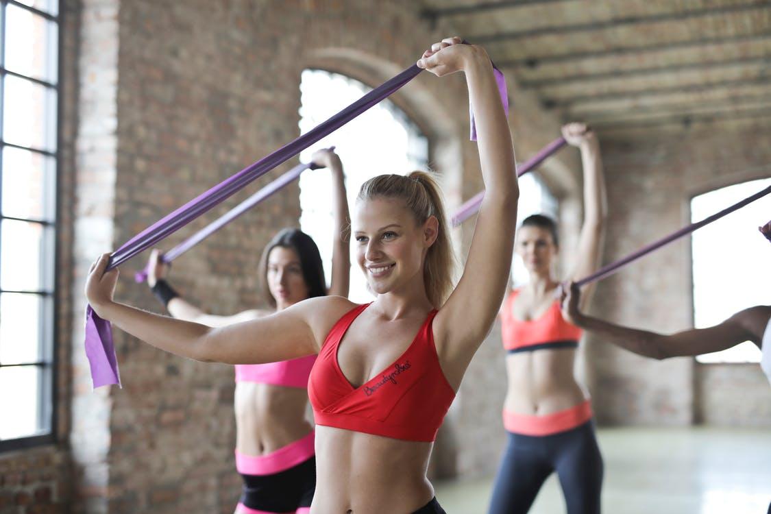 Kształtowanie sylwetki – bycie fit jest w modzie