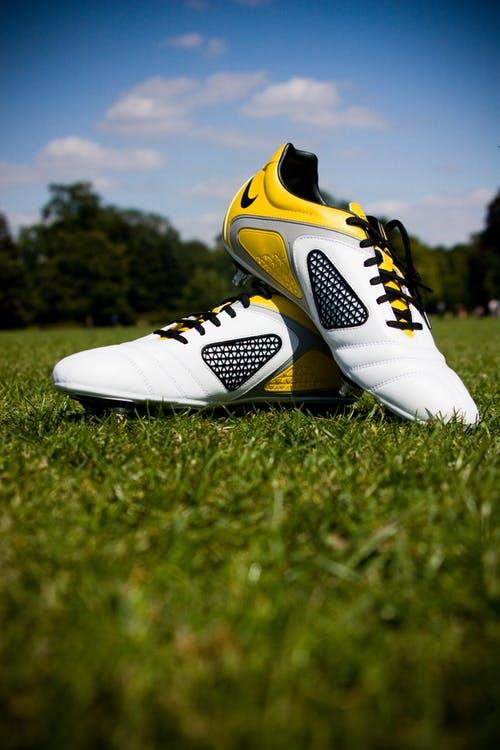 Buty do piłki nożnej: wybieramy najlepsze