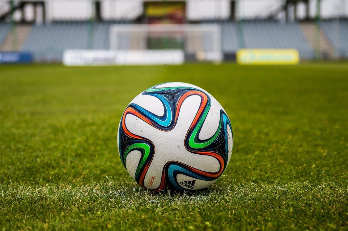 Czy piłka meczowa różni się od treningowej?