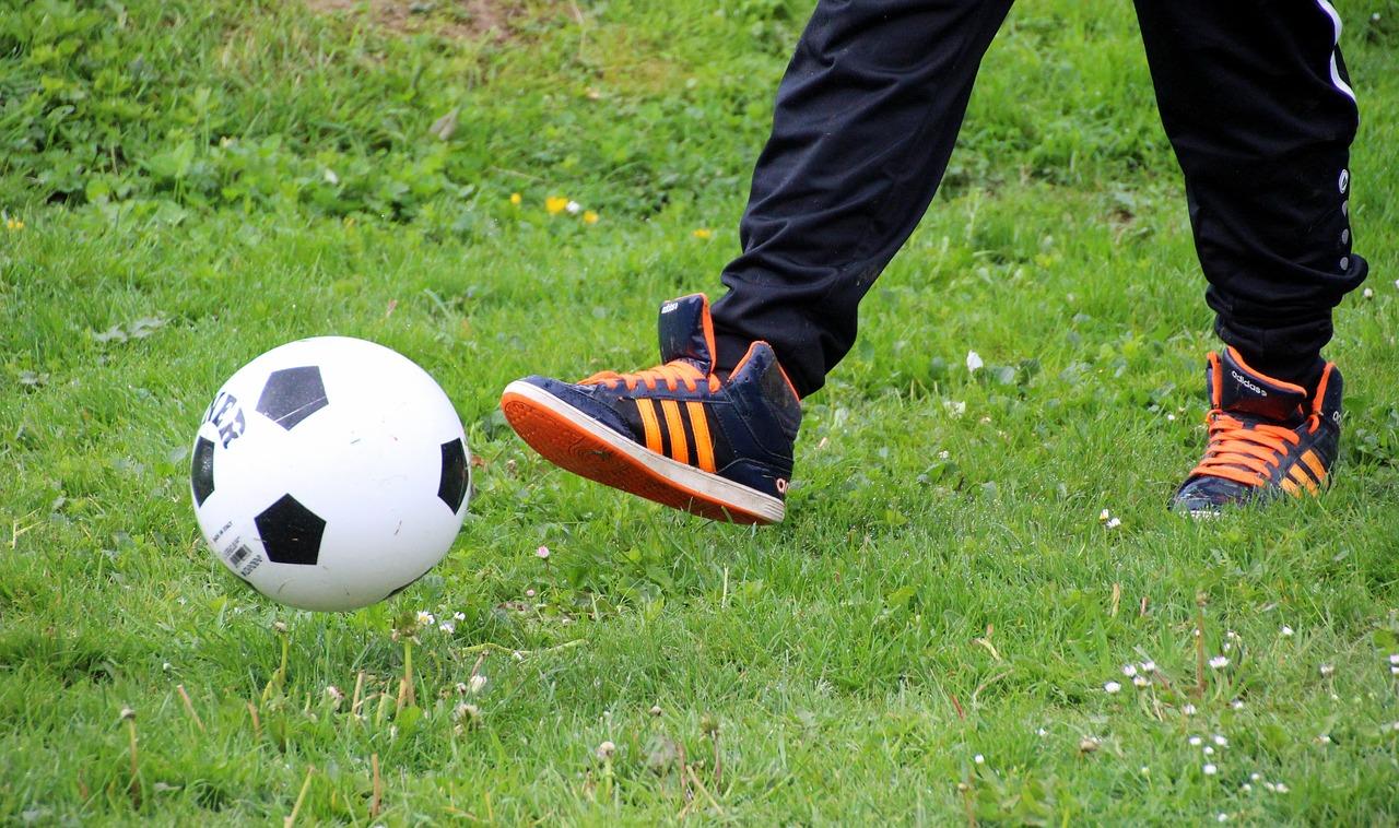 Jak uniknąć podróbek Adidas Copa Mundial?